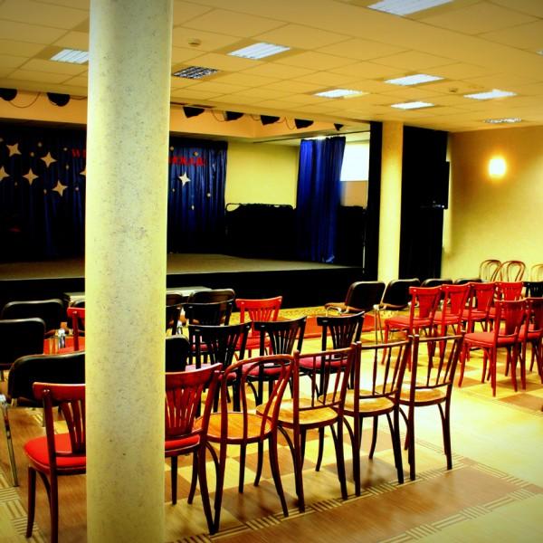 Sala teatralna 01